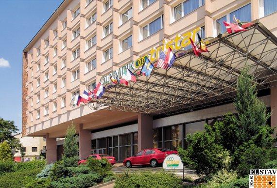 Hotel Garni - kompletní rekonstrukce pokojů a chodeb. (r 1994)